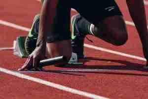 athlete preparing to run